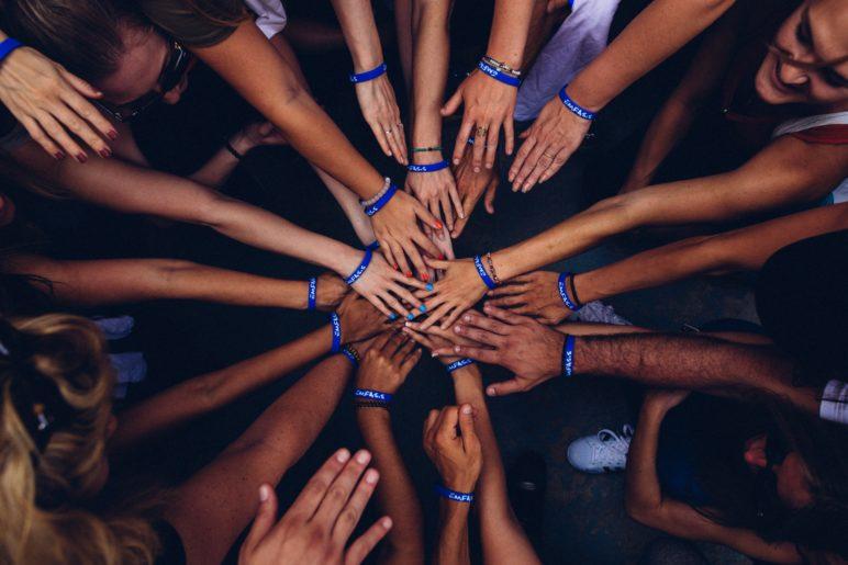 Het jonge, ambitieuze team van LiveChat Service zorgt jaarlijks voor een flinke groei. Om deze groei in goede banen te leiden zoeken wij een Teamleider.